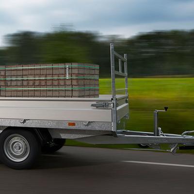Pega trailer 400x400